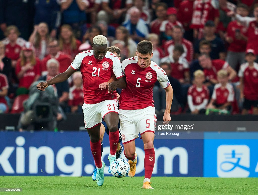 Mohamed Daramy and Joakim Mahle of Denmark in action during the FIFA...  Nachrichtenfoto - Getty Images