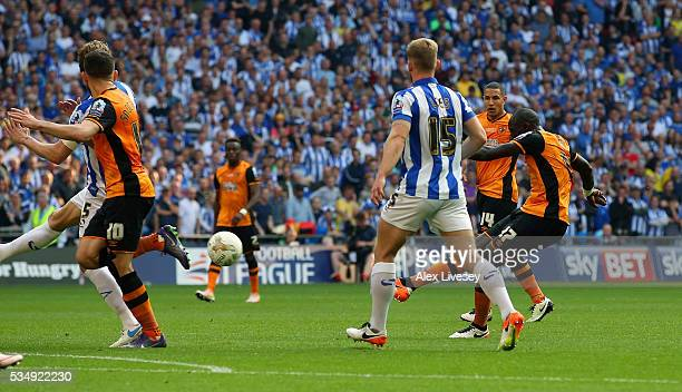 Mohamed Diame of Hull City scores his team's first goal during Sky Bet Championship Play Off Final match between Hull City and Sheffield Wednesday at...
