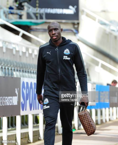 Mohamed Diame of Newcastle United arrives for the Premier League Match between Newcastle United and Chelsea at StJames' Park on May 13 in Newcastle...