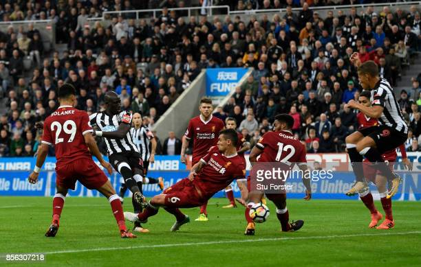 Mohamed Diame of Newcastle United shoots during the Premier League match between Newcastle United and Liverpool at St James Park on October 1 2017 in...