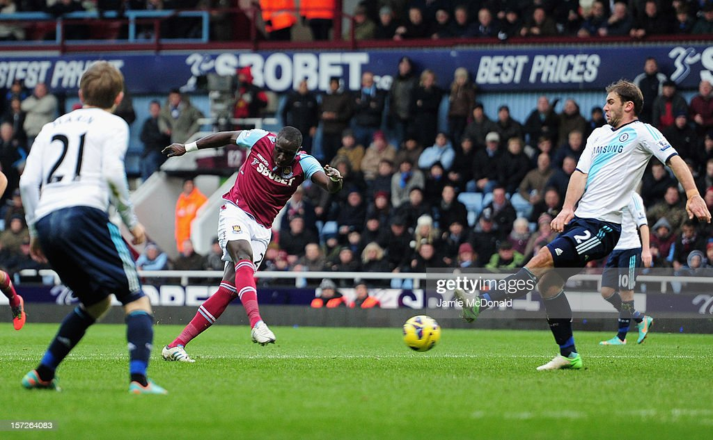 West Ham United v Chelsea - Premier League : News Photo
