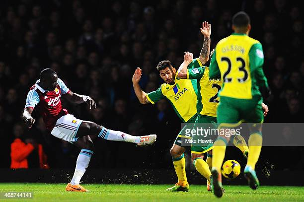 Mohamed Diame of West Ham United scores his sides second goal during the Barclays Premier League match between West Ham United and Norwich City at...