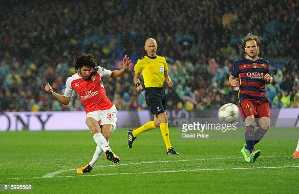 Mohamed Elneny scores a goal for Arsenal during the match between FC Barcelona and Arsenal at Camp Nou on March 16 2016 in Barcelona Spain
