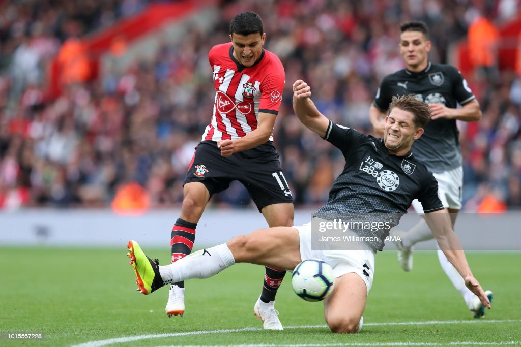 Southampton FC v Burnley FC - Premier League : Nieuwsfoto's
