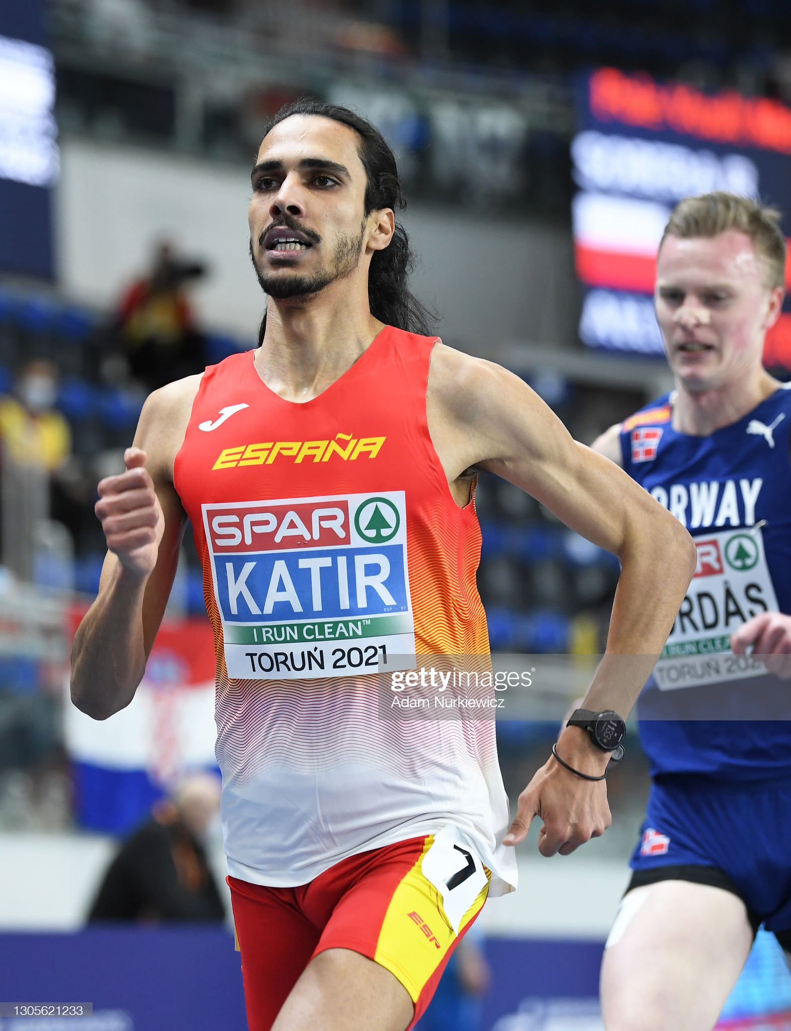 ¿Cuánto mide Mohamed Katir? - Altura - Real height Mohamed-katir-of-spain-competes-in-the-mens-3000-metres-during-the-picture-id1305621233?s=2048x2048