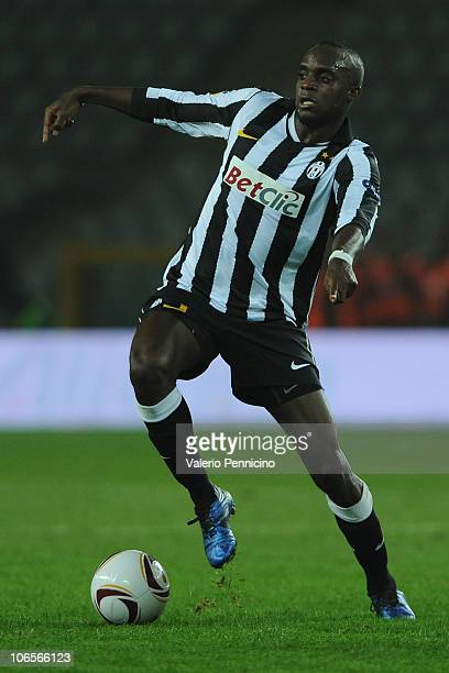 Mohamed Lamine Sissoko of Juventus FC runs with the ball during the Uefa Europa League group A match between Juventus FC and FC Red Bull Salzburg at...