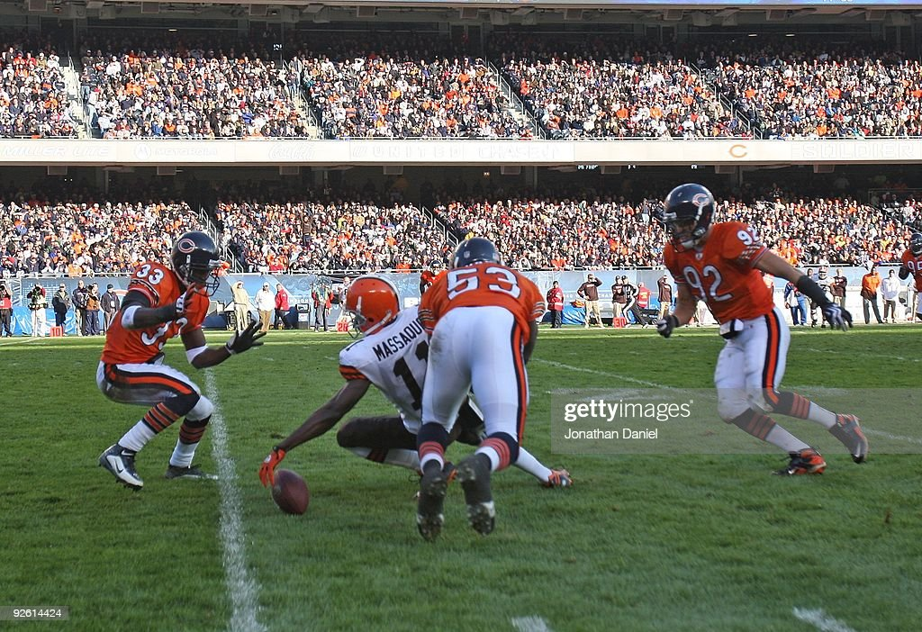 IL: Cleveland Browns v Chicago Bears : News Photo