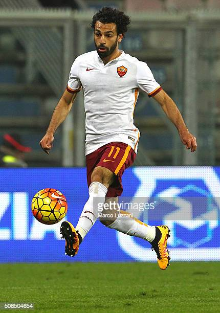 Mohamed Salah of AS Roma in action during the Serie A match between US Sassuolo Calcio and AS Roma at Mapei Stadium Città del Tricolore on February 2...