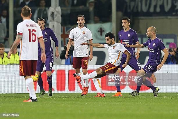 Mohamed Salah of AS Roma scores the opening goal during the Serie A match between ACF Fiorentina and AS Roma at Stadio Artemio Franchi on October 25...