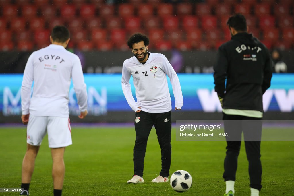 Mohamed Salah of Egypt shares a joke warming up prior to the International Friendly match between Egypt and Greece at Stadion Letzigrund at Letzigrund on March 27, 2018 in Zurich, Switzerland.