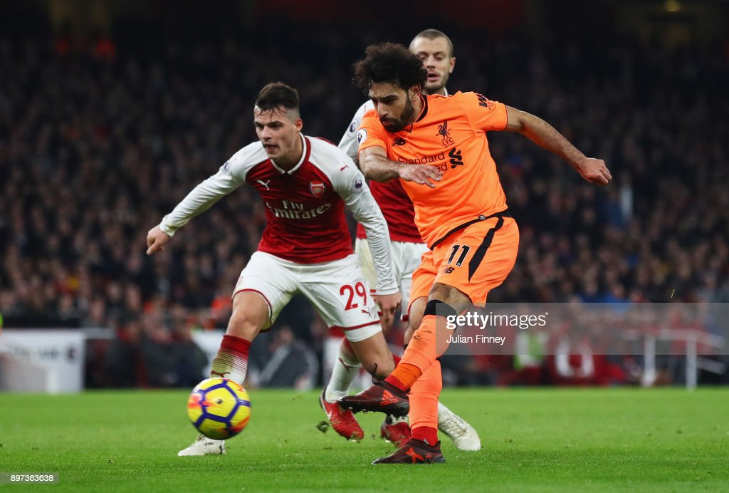 Arsenal v Liverpool - Premier League : Fotografía de noticias