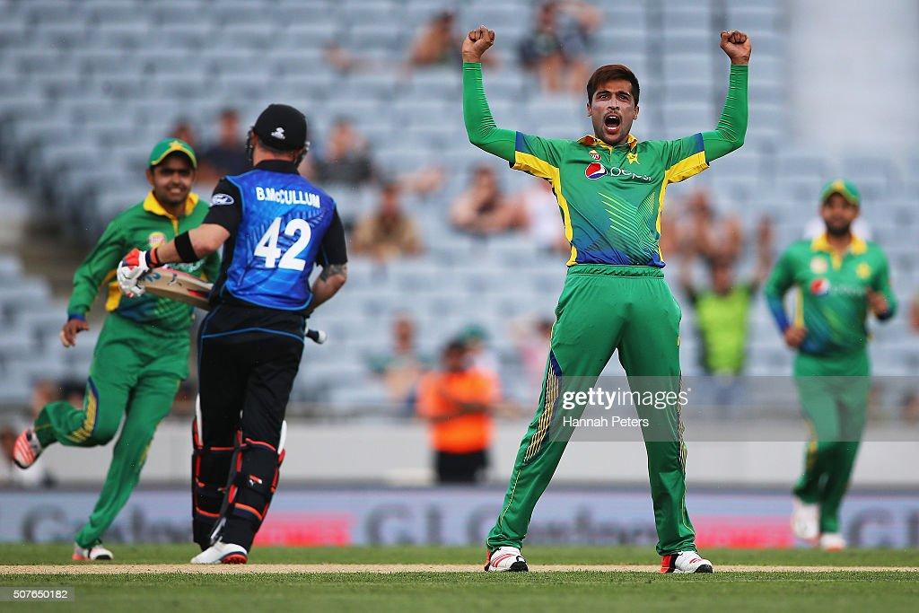 New Zealand v Pakistan - 3rd ODI : News Photo
