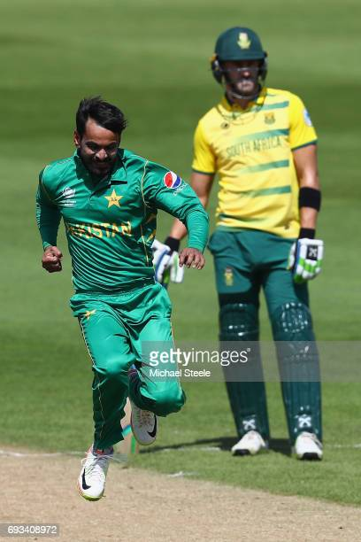 Mohammad Hafeez of Pakistan celebrates trapping Quinton de Kock lbw during the ICC Champions Trophy match between Pakistan and South Africa at...