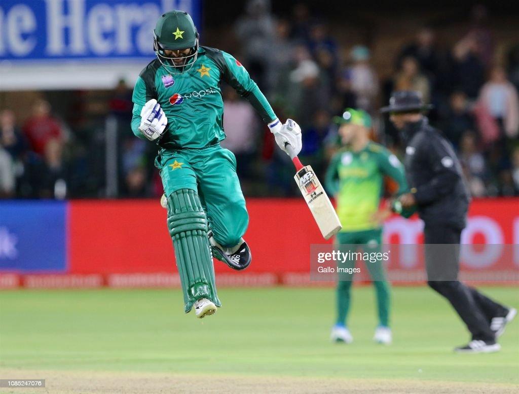 South Africa v Pakistan - 1st Momentum One Day International : News Photo