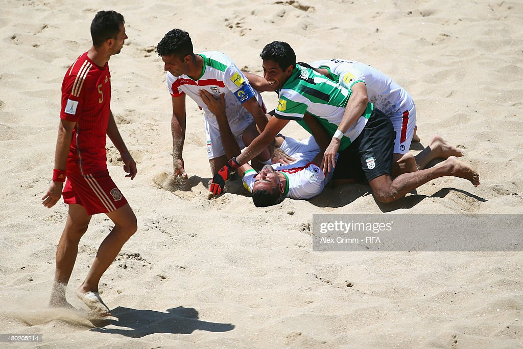 Spain v Iran: Group C - FIFA Beach Soccer World Cup : News Photo