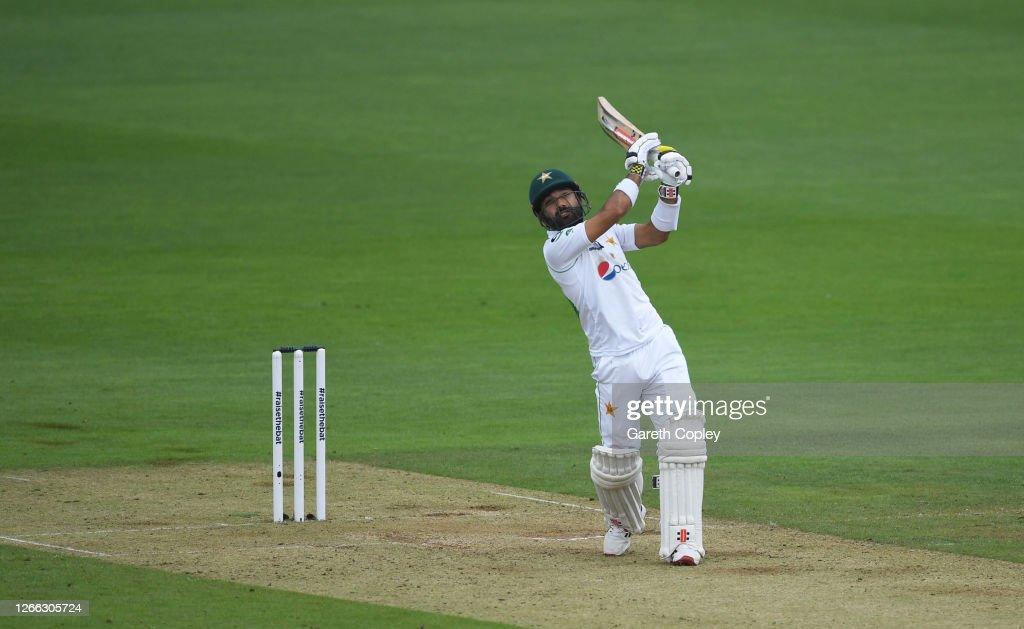England v Pakistan: Day 2 - Second Test #RaiseTheBat Series : News Photo