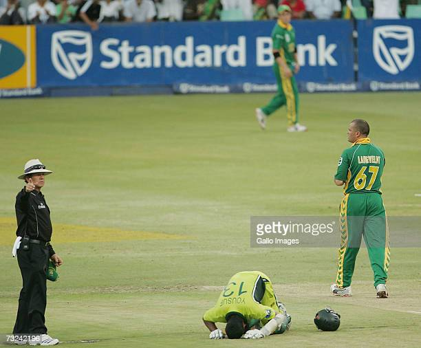 Mohammad Yousuf of Pakistan celebrates his century during the Second ODI between South Africa and Pakistan at Sahara Stadium Kingsmead on February 7...