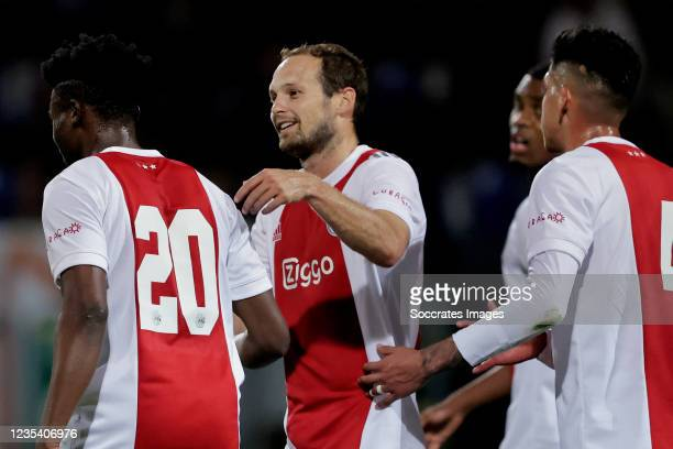 Mohammed Kudus of Ajax celebrates 0-4 with Daley Blind of Ajax during the Dutch Eredivisie match between Fortuna Sittard v Ajax at the Fortuna...