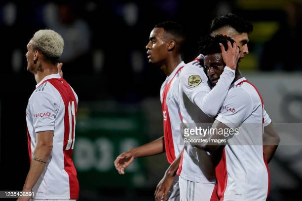 Mohammed Kudus of Ajax celebrates 0-4 with Edson Alvarez of Ajax during the Dutch Eredivisie match between Fortuna Sittard v Ajax at the Fortuna...