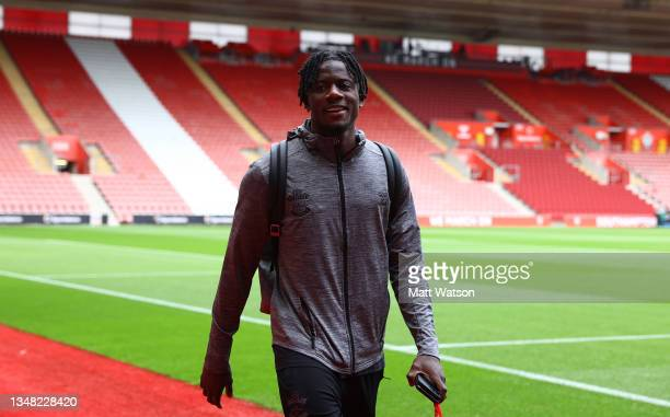 Mohammed Salisu of Southampton arrives ahead of the Premier League match between Southampton and Burnley at St Mary's Stadium on October 23, 2021 in...