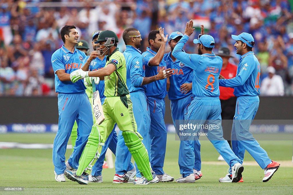 India v Pakistan - 2015 ICC Cricket World Cup : News Photo