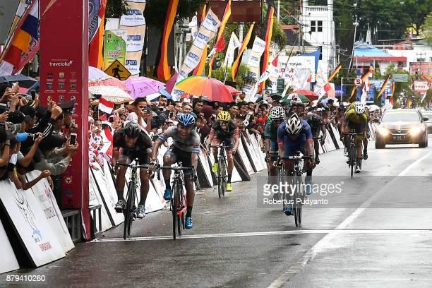 Mohd Shahrul Mat Amin of TSG Terengganu Cycling Team Malaysia sprints to finish during stage 9 of the Tour de Singkarak 2017 PasamanBukittinggi 1172...