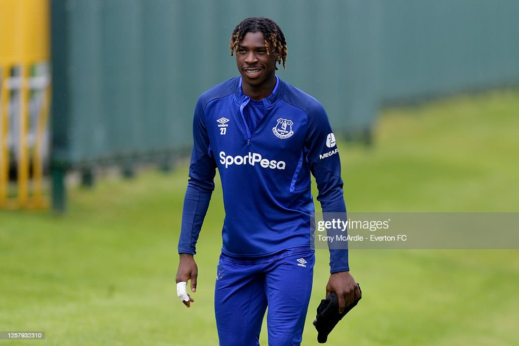 Everton Training Sessiom : News Photo