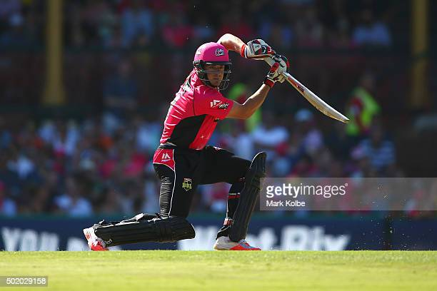 Moises Henriques of the Sixers bats during the Big Bash League match between the Sydney Sixers and the Hobart Hurricanes at Sydney Cricket Ground on...