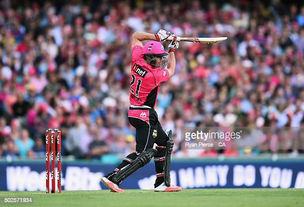 Moises Henriques of the Sixers bats during the Big Bash League match between the Sydney Sixers and the Melbourne Stars at Sydney Cricket Ground on...