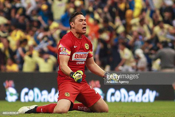 Moises Munoz goalkeeper of America celebrates a goal of the team against Tigres during the Final Second leg match of the Apertura 2014 of Liga...