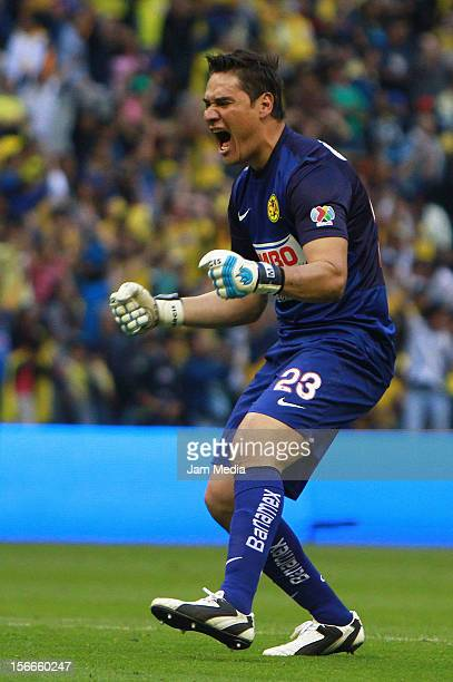 Moises Munoz goalkeeper of America celebrates a scored goal against Morelia during a match between America and Morelia as part of the Apertura 2012...
