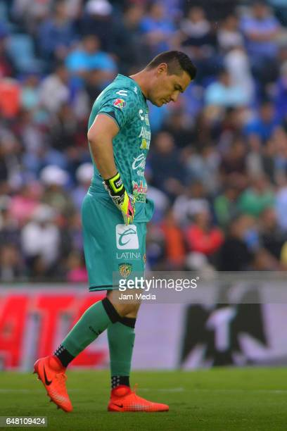 Moises Munoz goalkeeper of Jaguares reacts during the 9th round match between Cruz Azul and Chiapas as part of the Torneo Clausura 2017 Liga MX at...