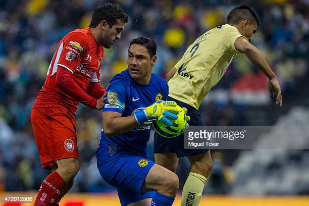 Moises Muñoz goalkeeper of America controls the ball during a match between America and Toluca as part of 16th round of Clausura 2015 Liga MX at...