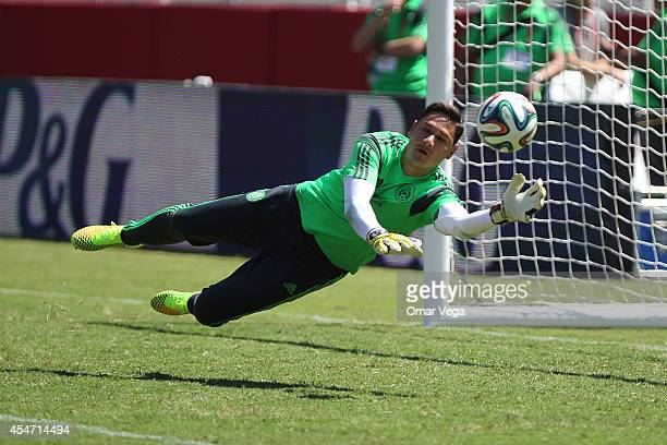 Moises Muoz of Mexico in action during Mexico's National Team training session at Levi's Stadium September 05 2014 in Santa Clara United States