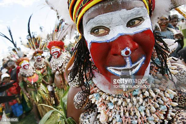 Moki Angimb women perform during the opening of the 46th annual singsing in the frontier town of Mount Hagen 18 August 2007 Tribes from all over...