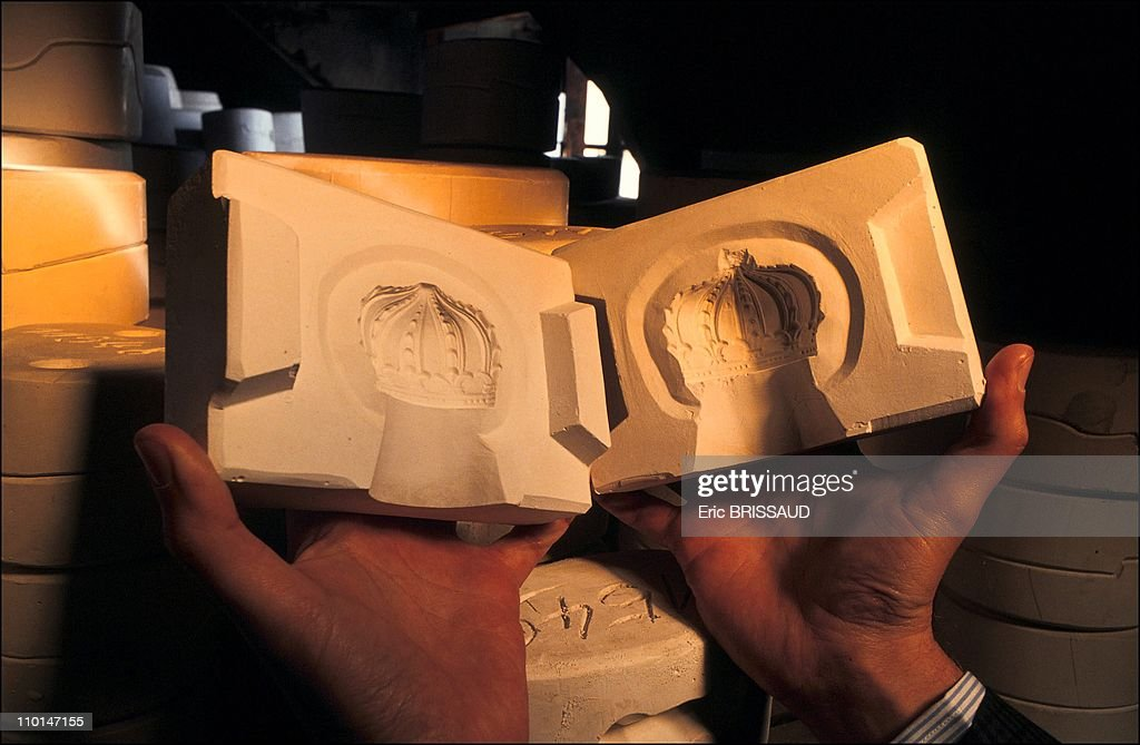 Dresden: Saxon porcelain manufactory in Dresden, Germany on March 01, 1991. : News Photo