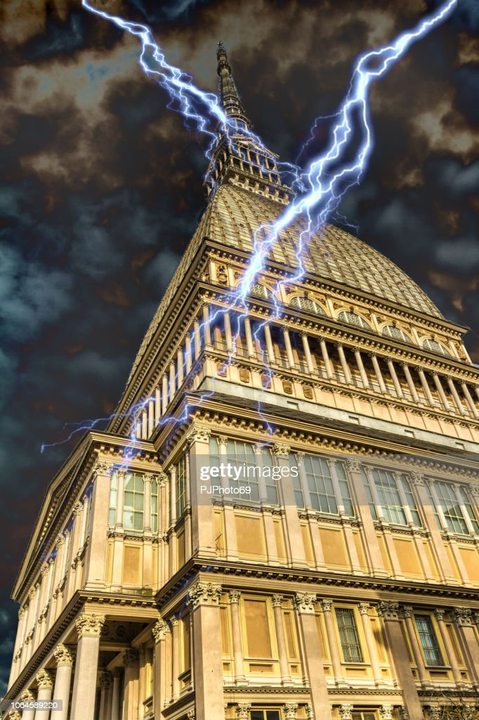 Mole Antonelliana under thunder storm - Turin : Foto stock