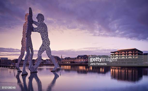 Molecule man at Spree river