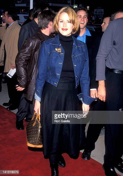 Molly Ringwald at the Premiere of 'Go' Pacific's Cinerama Dome Hollywood