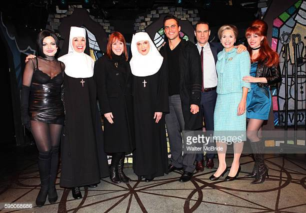 Molly Ringwald Cheyenne Jackson visit Alison Fraser Julie Halston Charles Busch Jonathan Walker Jennifer Van Dyck Amy Rutberg the cast of 'The Divine...