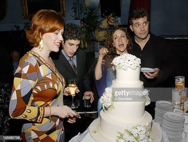 Molly Ringwald Jason Biggs Jenn Harris and Craig Bierko cut cake created by Sylvia Weinstock