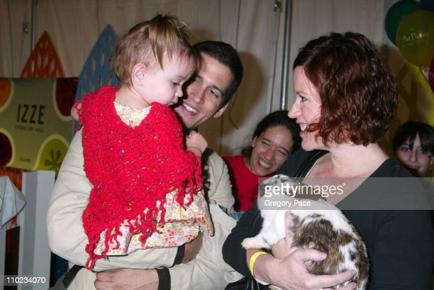 Molly Ringwald with her boyfriend Panio Gianopoulos and their daughter Mathilda