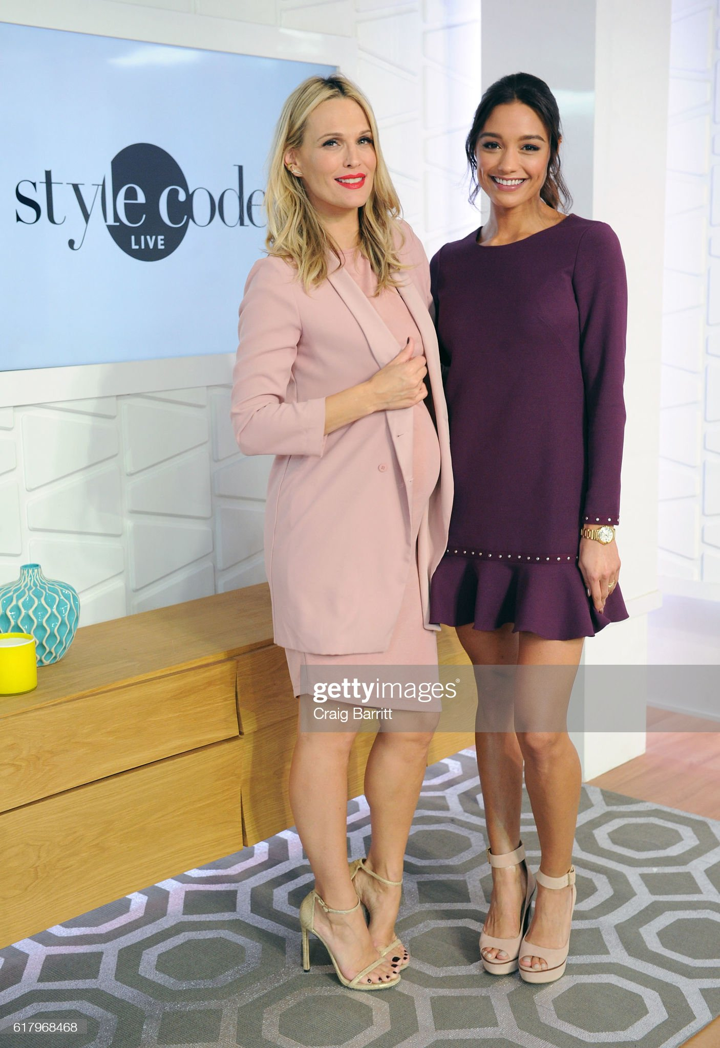 ¿Cuánto mide Rachel Smith? - Real height Molly-sims-and-rachel-smith-appear-on-amazons-style-code-live-on-25-picture-id617968468?s=2048x2048