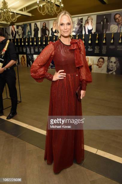 Molly Sims attends ELLE's 25th Annual Women In Hollywood Celebration presented by L'Oreal Paris Hearts On Fire and CALVIN KLEIN at Four Seasons Hotel...