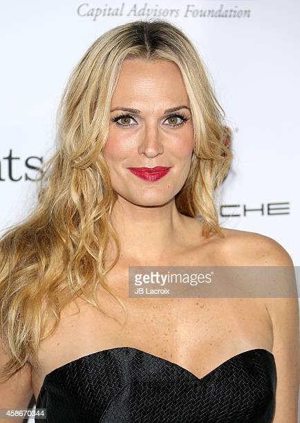 Molly Sims attends The 2014 Baby2Baby Gala Presented by Tiffany Co at The Book Bindery on November 8 2014 in Culver City California
