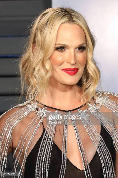 Molly Sims attends the 2018 Vanity Fair Oscar Party hosted by Radhika Jones at Wallis Annenberg Center for the Performing Arts on March 4 2018 in...