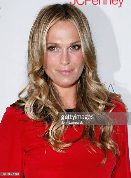 Molly Sims attends the 5th Annual Fashion Delivers Gala at The Waldorf=Astoria on November 3 2010 in New York City