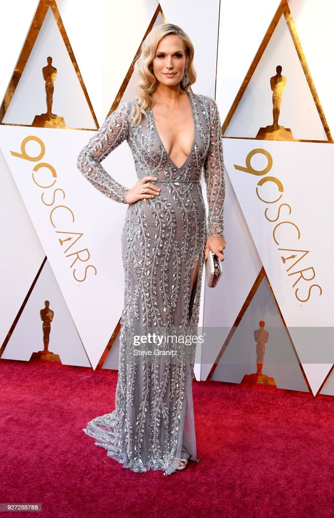 Molly Sims attends the 90th Annual Academy Awards at Hollywood & Highland Center on March 4, 2018 in Hollywood, California.