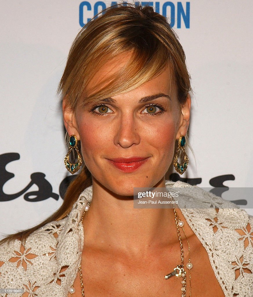 Molly Sims During Endless Summer Party Hosted By Esquire House Los Angeles To Benefit