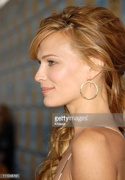 Molly Sims during Film Independent's 2006 Independent Spirit Awards Red Carpet in Santa Monica California United States